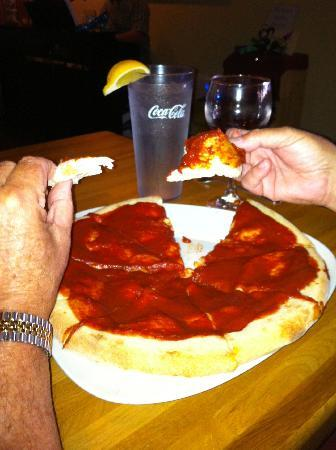 Salute Italian Restaurant: Pizza with no cheese or other toppings