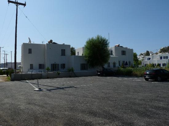 Indigo Studios: Coincé entre deux parkings