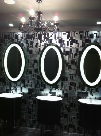 Rixos Downtown Antalya: lobby bathroom