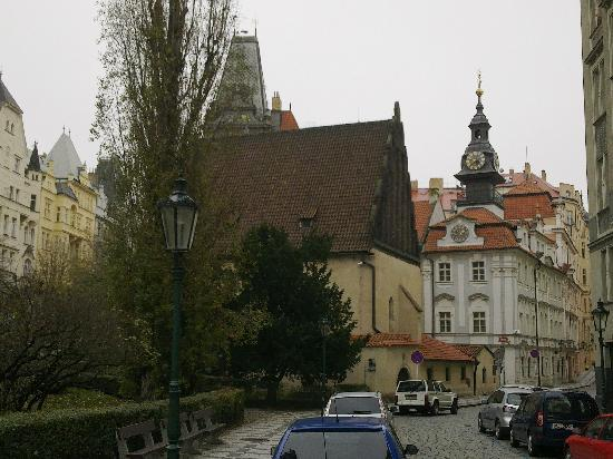 Euroways Tours Prague: Old-New Synogogue and Jewish City Hall.