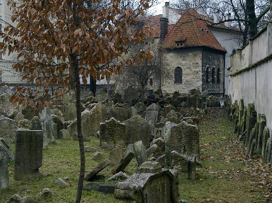 Euroways Tours Prague: The Old Jewish Cemetery