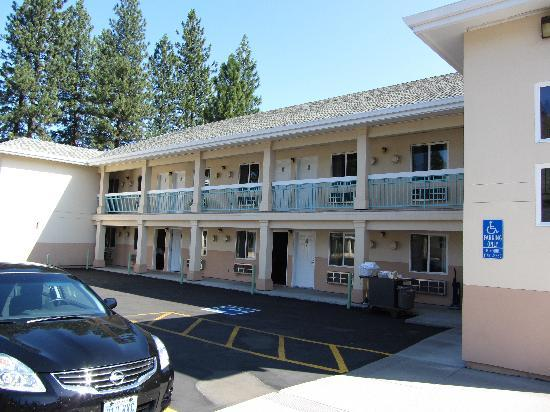 Shasta Pines Motel : Suite Building