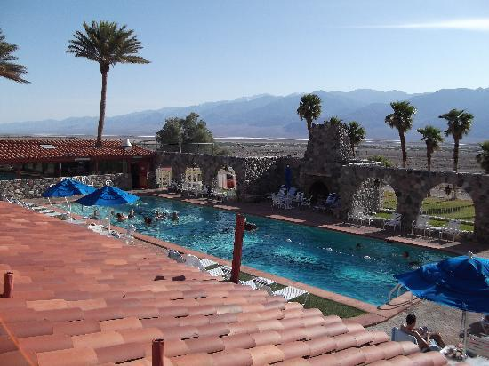 Furnace Creek Inn and Ranch Resort : The wonderful pool - towels available at pool side