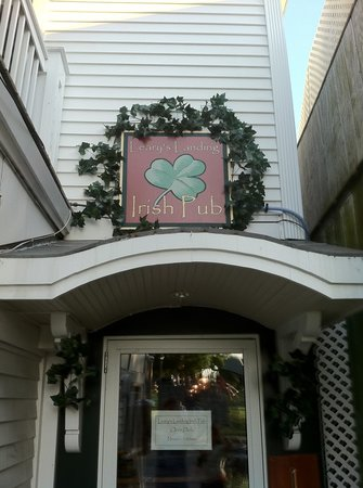 Leary's Landing Irish Pub: Welcome to Leary's