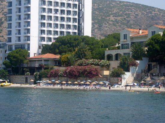 Arora Hotel: Hotel`s beach