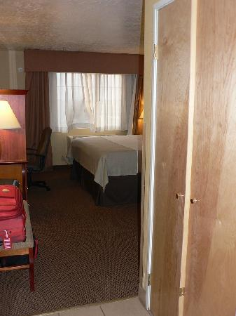Holiday Inn Hotel & Suites Albuquerque Airport - Univ Area : Room entry