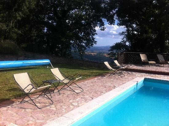 Villa Selva Country House: pool with a view