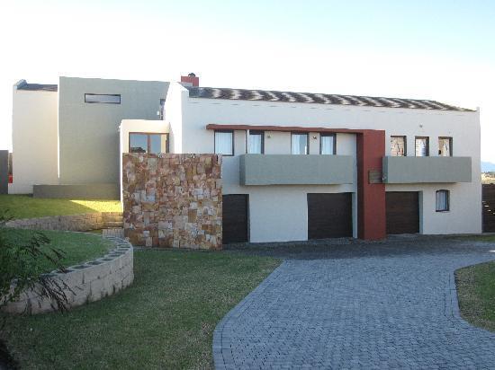 House Bienvenue Entrance