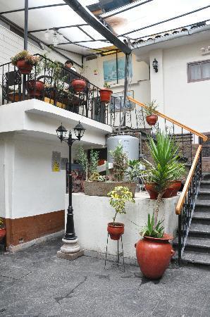 Hotel Sol Plaza Inn: stair-case