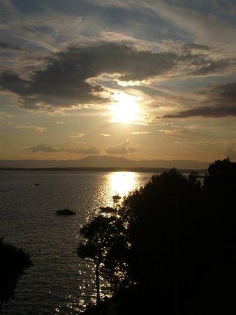 Selce, Croatia: Sonnenuntergang von der Hotelterasse