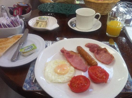 Slievemore House: Breakfast