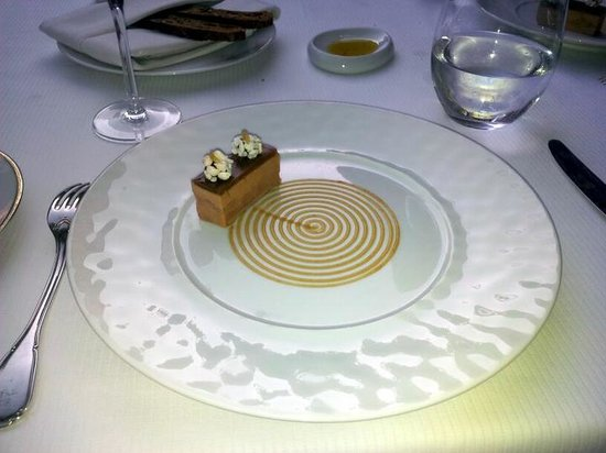 Spondi : first menu item. Delicious fois gras