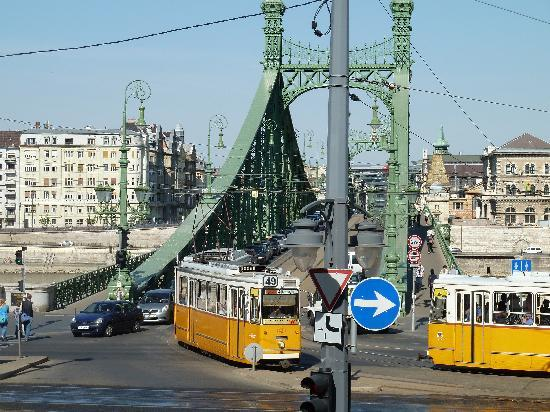 Danubius Hotel Gellert: Tram cars cross the bridge from the hotel