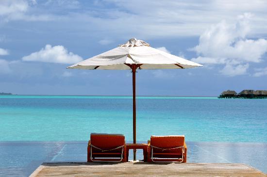 Conrad Maldives Rangali Island: Pool- Main Island