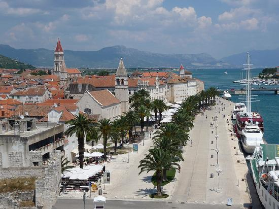 Villa Katarina: Trogir town