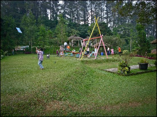 Puncak Pass Resort: Playground