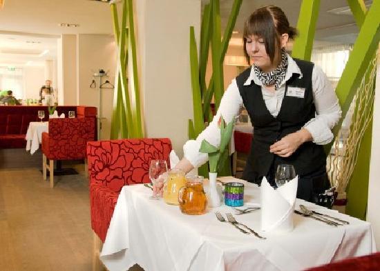 Hotel Krainerhutte Helenental: Design Restaurant