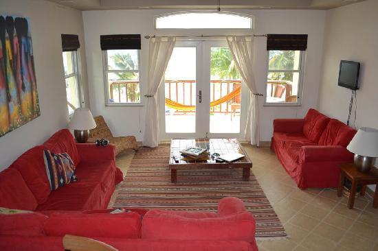 CayeReef: Living Room