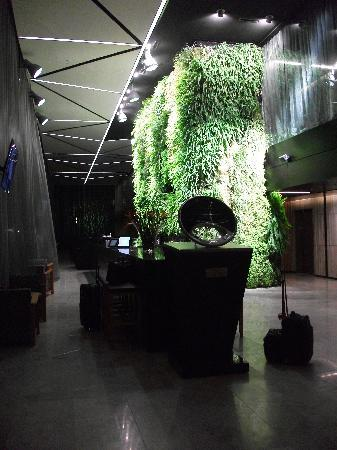 Novotel Auckland Airport: restaurant entrance