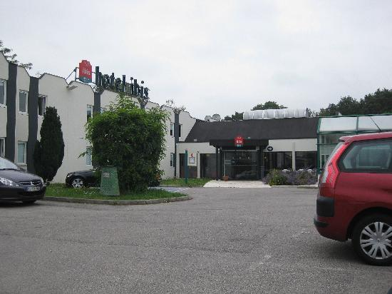 Ibis Rouen Parc des Expos Zenith : Hotel Exterior