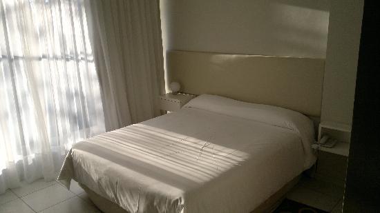 Apart Hotel Via 51 : Habitacion 3