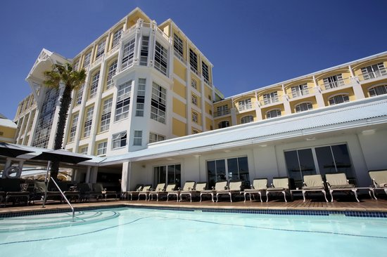 The Table Bay Hotel: Pool Deck