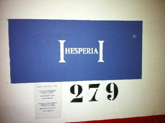 Hesperia Andorra la Vella : Parking slot marking in garage