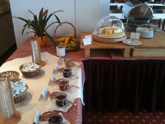 Berghotel Randolins: frühstück