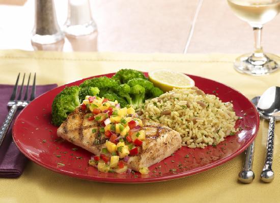 Tony Roma's Ribs, Seafood, & Steaks: Mojo Chicken with Pinapple Sauce