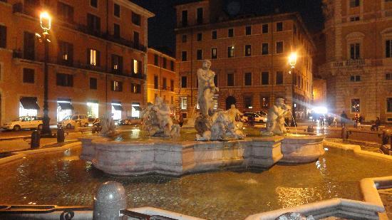 Condotti Inn: Piazza Navona alrededores del Hotel