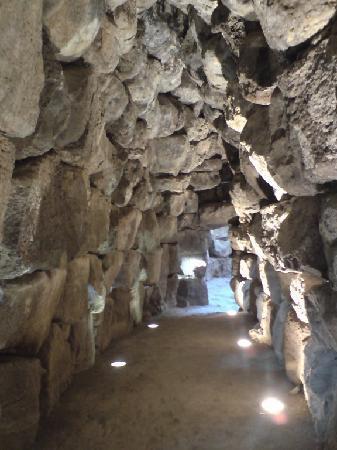 Nuraghe Sant'Antine: interno nuraghe