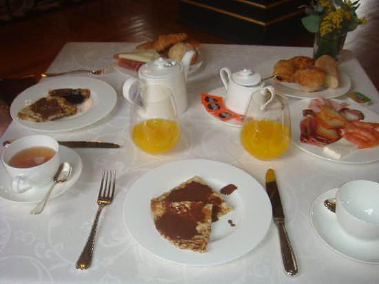 Vidago Palace Hotel: Delicious breakfast - with natural orang juice!!