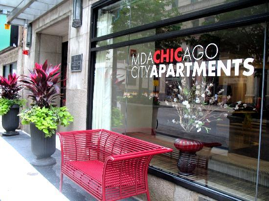 apartment entrance picture of mda chicago city apartments chicago tripadvisor. Black Bedroom Furniture Sets. Home Design Ideas