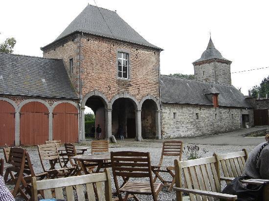 Chateau Ferme de Falaen: Terrace
