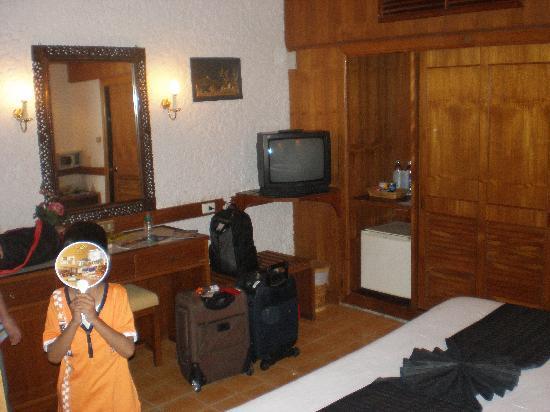 Tropica Resort and Restaurant: double bungalow