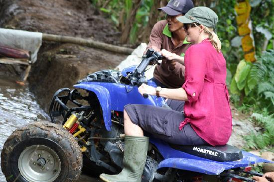 Bali By Quad: getting help in a tricky spot!