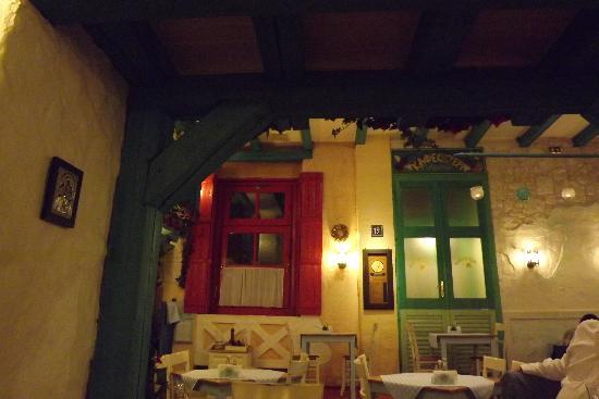 Taverna Dionysos: Sala interna
