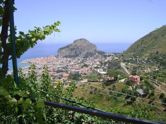 L'Arca: Uitzicht vanaf ons terras