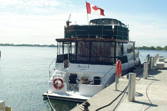 Making Waves Boatel: the Boatel moored in Toronto's Harbourfront