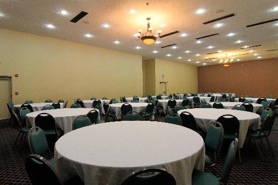 Comfort Inn & Suites Burnet: Need to schedule a meeting for business? We have space available for you and your clients.