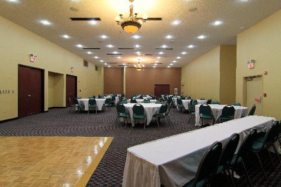 Comfort Inn & Suites Burnet: We can plan your next affair in our Longhorn meeting rooms, call us today and inquire.