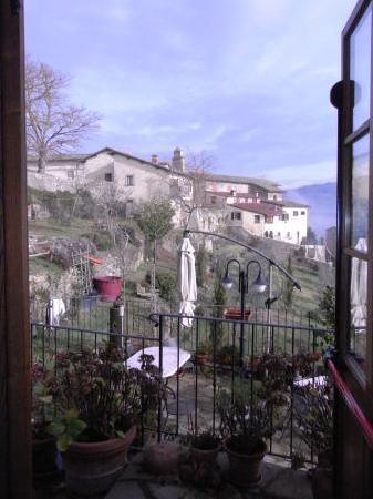 Albergo San Lorenzo: Vista sul giardino