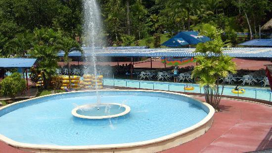 Las Cumbres Hotel & Water Park: Hotel Fountain