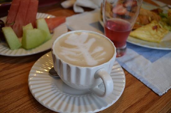 Li-Li Bed & Breakfast: kevin's coffee