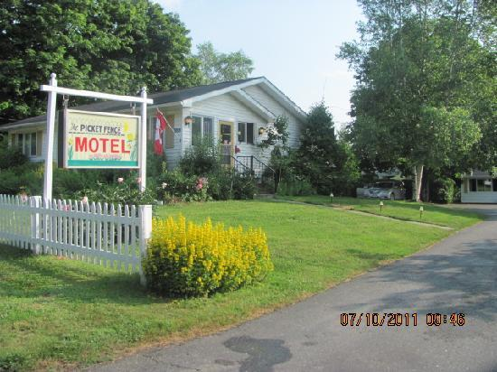 Saint Andrews, Canadá: Picket Fence Motel Office