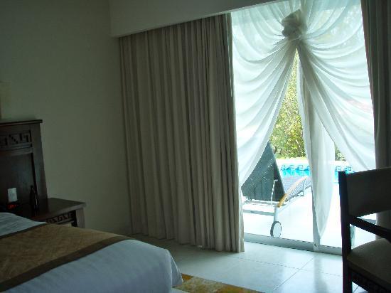 BlueBay Grand Esmeralda: bedroom