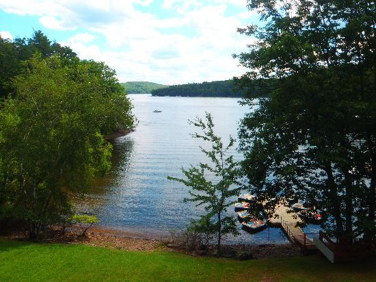 Cove Haven Resort: The Lake