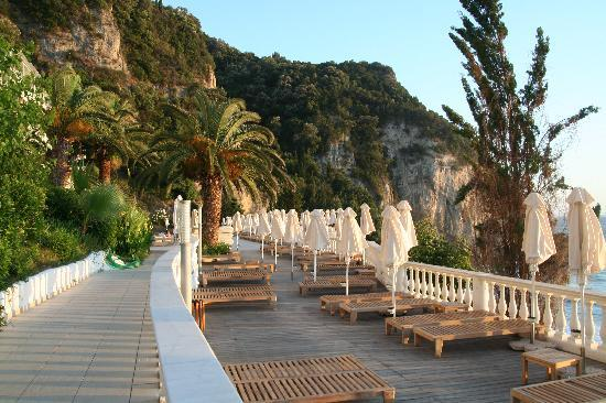 Mayor La Grotta Verde Grand Resort: Sun deck