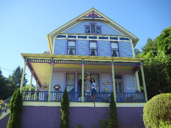 Astoria Inn: Beautiful Victorian with amazing views!