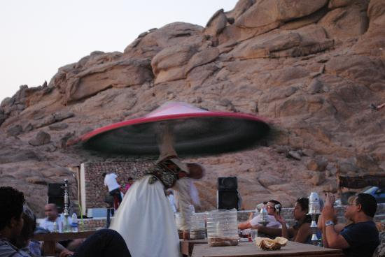 Vova Sharm Excursions -Day Tours : dancing